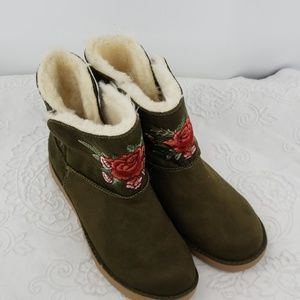 Rock & Candy Embroidered Ankle Boots W/Faux Fur
